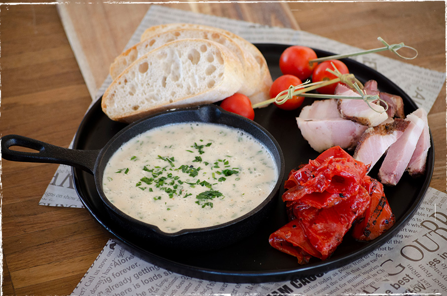 Cheese fondue with Waldviertler smoked cheese