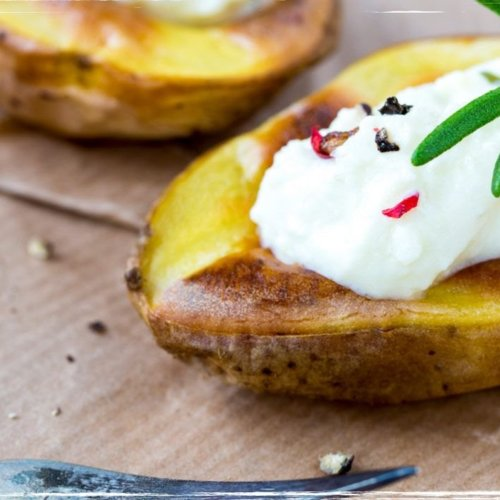 Baked potatoes with feine Ziege topping